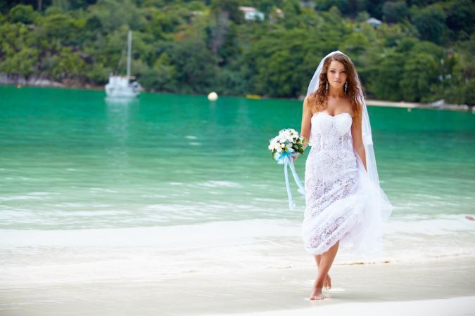 Beach Wedding Dresses Beautiful And Cool Designs Andrew Hardin